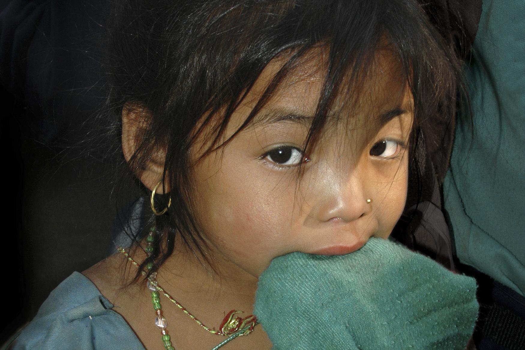 Verlegen, Nepal